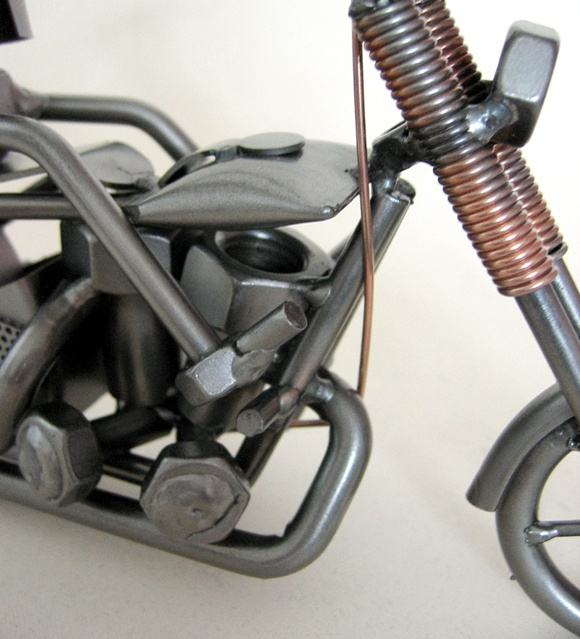 Harley Davidson figurka na prezent metaloplastyka