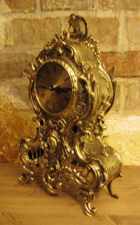 Duży zegar mosiężny
