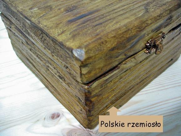 Skrzynka drewniana retro na prezenty