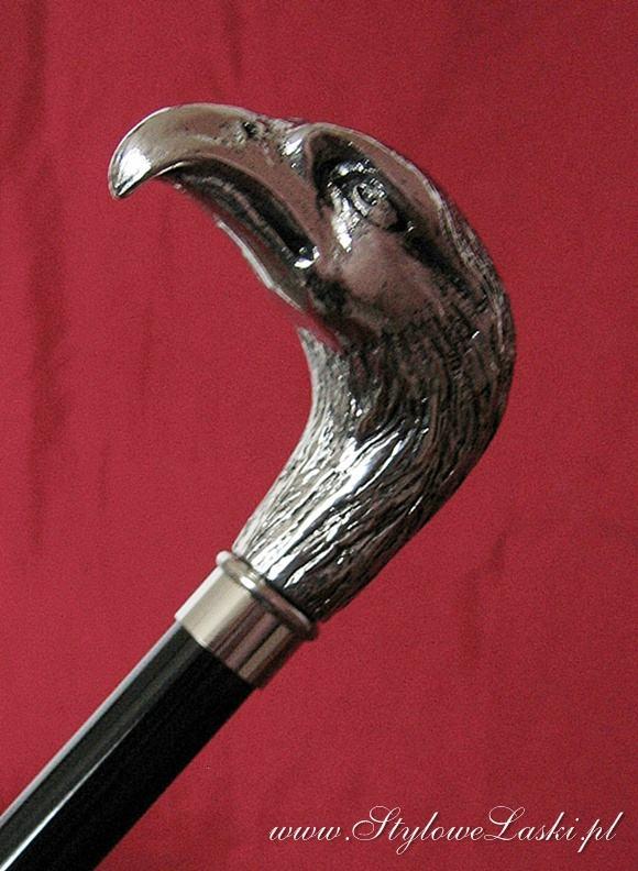 Laska zdobiona głowa orła